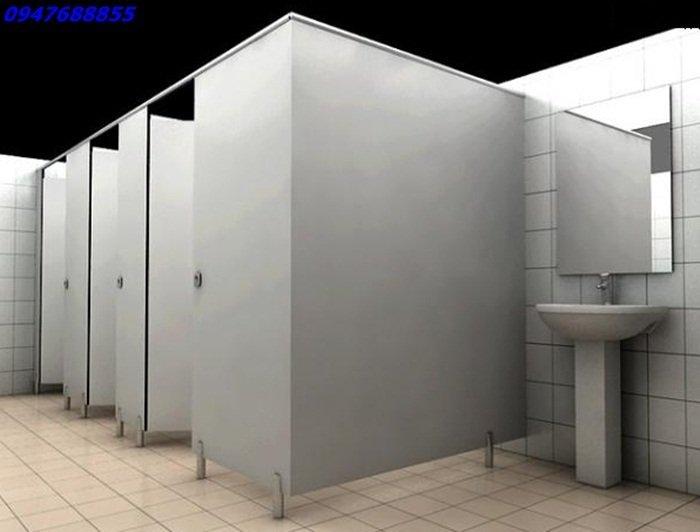 thi cong vach ngan ve sinh compact hpl - Vách ngăn toilet