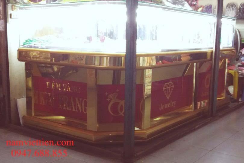 tu ban vang da quy gia re 1 - Những mẫu tủ bán vàng bạc nhôm kính