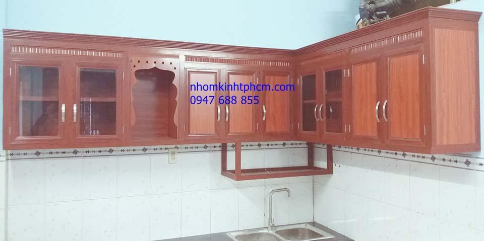 Đóng tủ bếp nhôm kính vân gỗ giá rẻ quận 9 hcm
