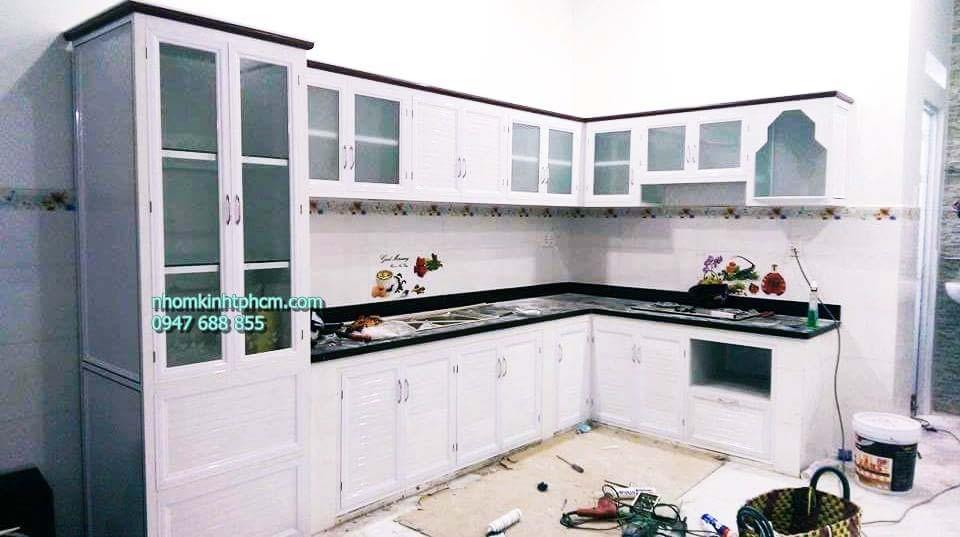 Tủ bếp nhôm sơn tĩnh điện trắng sữa