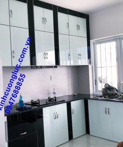 tủ bếp nhôm kính sơn tĩnh điện