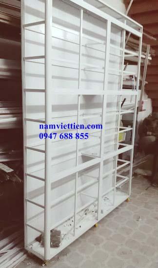 Tủ bán nước hoa mỹ phẩm lớn
